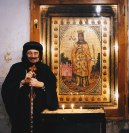Photo: A.Krause-laif, Metrpolitan Bishoy in front of the icon of St. Dimyana.