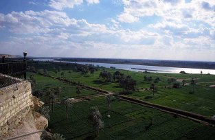 Photo: Norbert Schiller, overlooking the Nile and the valley from Gabal al-Tayr.
