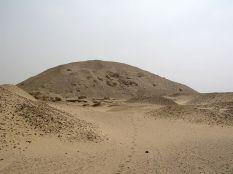 Photo: Wikipedia, the pyramid of Senusret I in Lisht