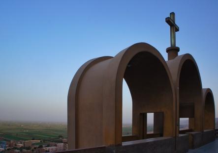 Photo: Shangyun Shen, arches in Monastery of Dayr Durunka.